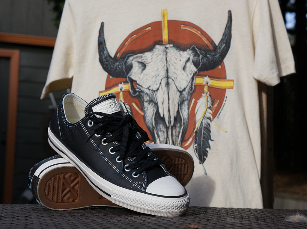 converse all stars and dreamcatcher tee shirt